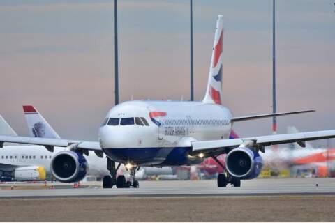 Francja planuje zawiesić loty z Indii z powodu nowego wariantu koronawirusa