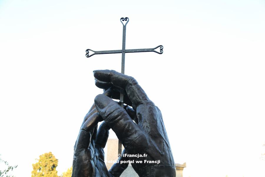 Wszystkich Świętych: do 2 listopada włącznie uroczystości religijne będą odbywać się z udziałem wiernych