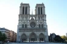 Krypta przy katedrze Notre-Dame otwarta, ale świeci pustkami