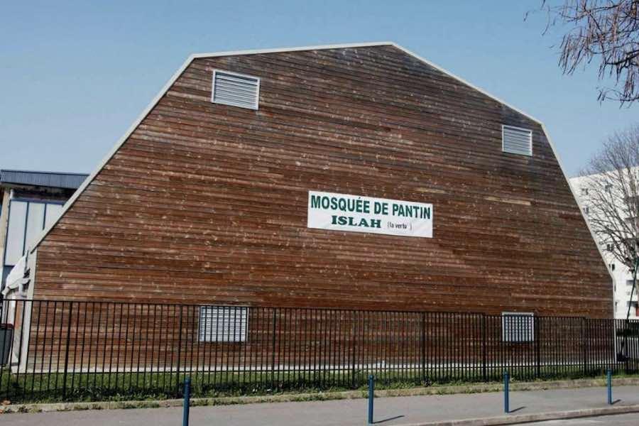 Szef MSW nakazał zamknięcie meczetu w Pantin