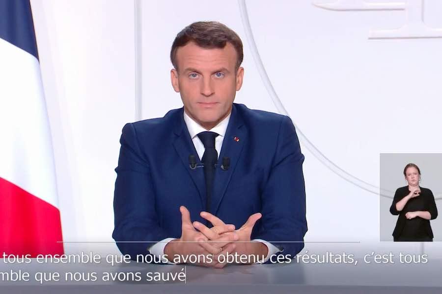 Prezydent Macron zapowiada stopniowe luzowanie obostrzeń epidemicznych