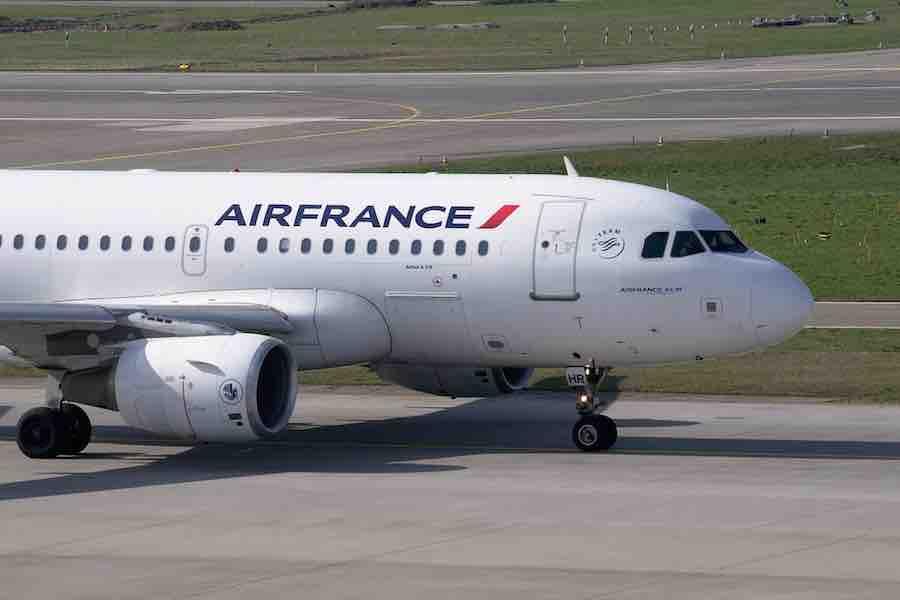 Linie Air France proponują zamieszczanie na bilecie informacji o szczepieniu