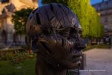 """""""Tchnienie życia"""" – rzeźby Alexandre'a Monteiro w Paryżu"""