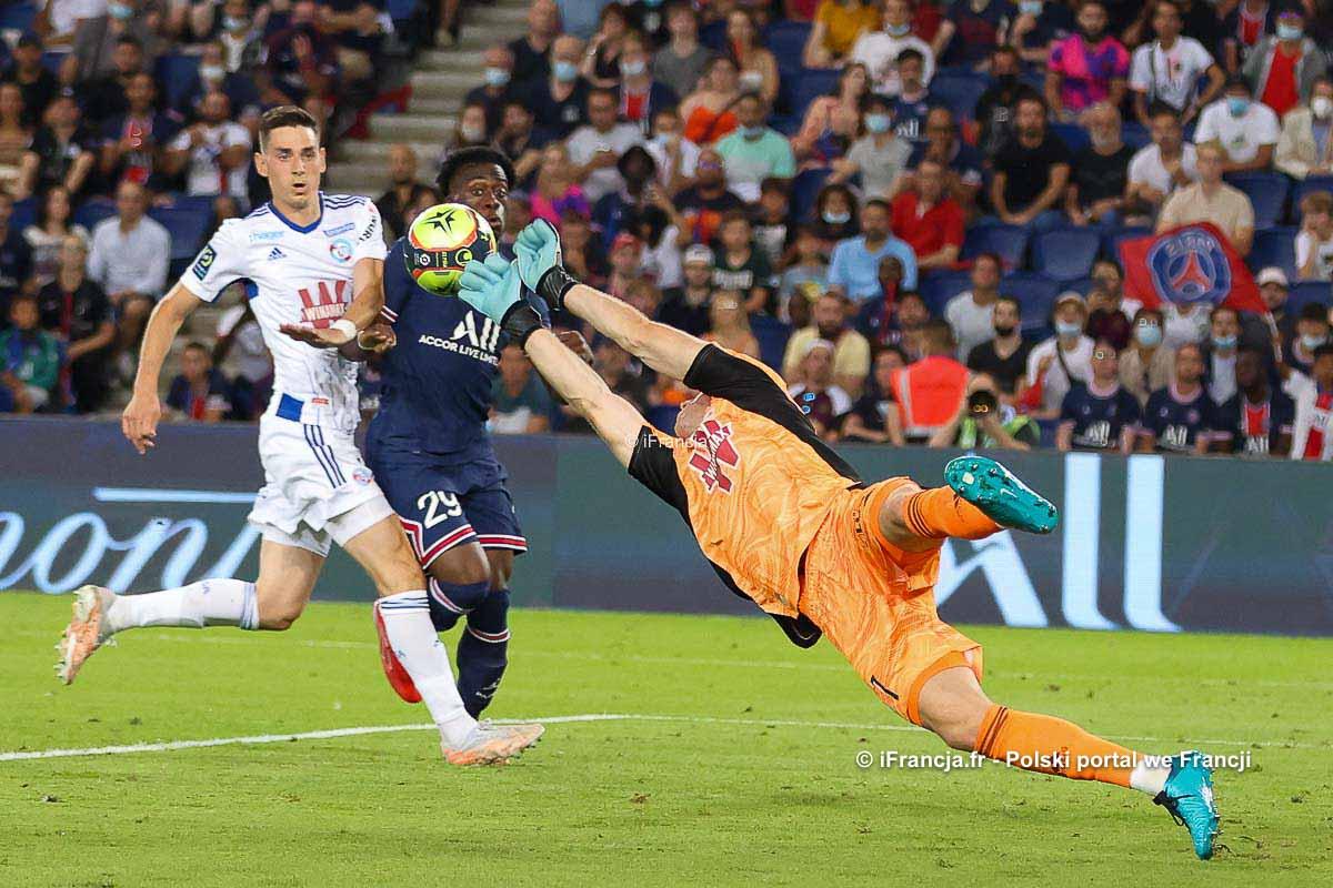 Mecz Paris Saint-Germain : RC Strasbourg + Prezentacja nowych zawodników