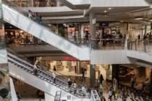 Departamenty zawieszają przepustki sanitarne w centrach handlowych; chaos wśród klientów