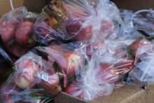 Francja wprowadza zakaz sprzedaży owoców i warzyw w plastikowych opakowaniach